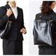働く女性のビジネスバッグには、【マナー】と【機能性】が必要です。