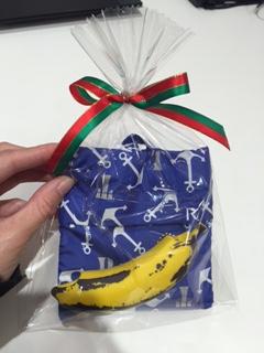 image4 gift.jpg