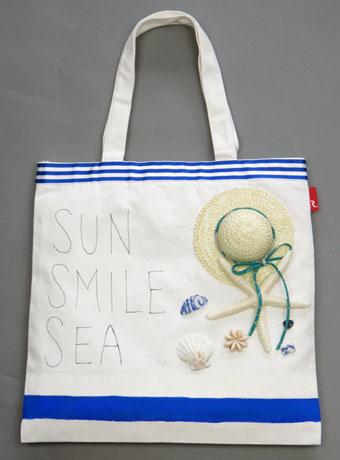 SUN,SMILE,SEA