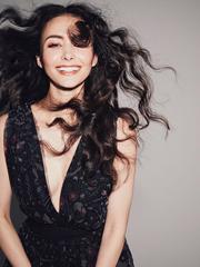 Shaula Vogue
