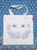 紫陽花と白猫